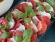 Veganer Tomaten-Mozzarella Salat am Yoga-Brunch in Heitersheim